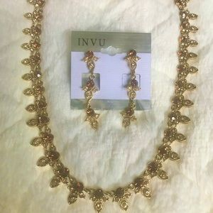Jewelry - Brown gemstones necklace and earrings set